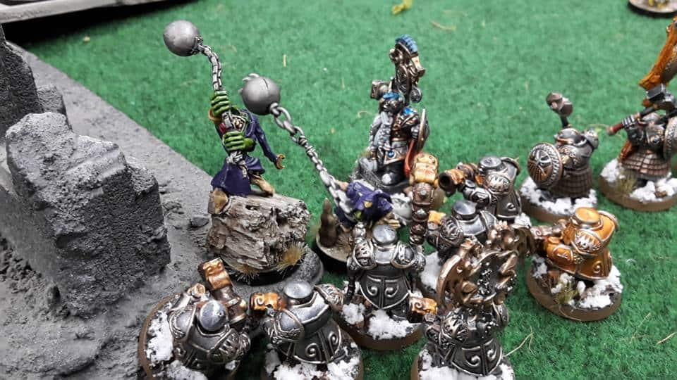 Fanatic killing Dwarfes