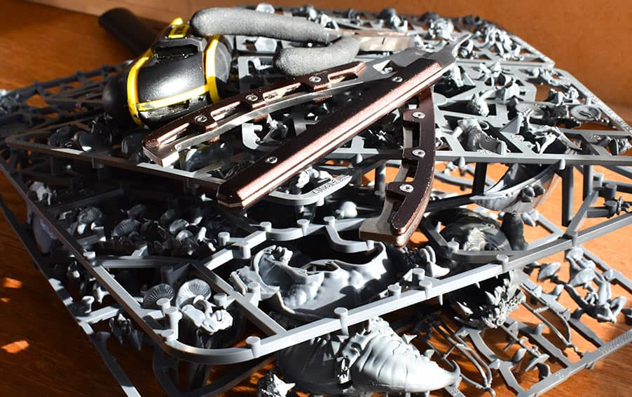 How to Assemble, Clean, Glue and Build a Warhammer Miniature