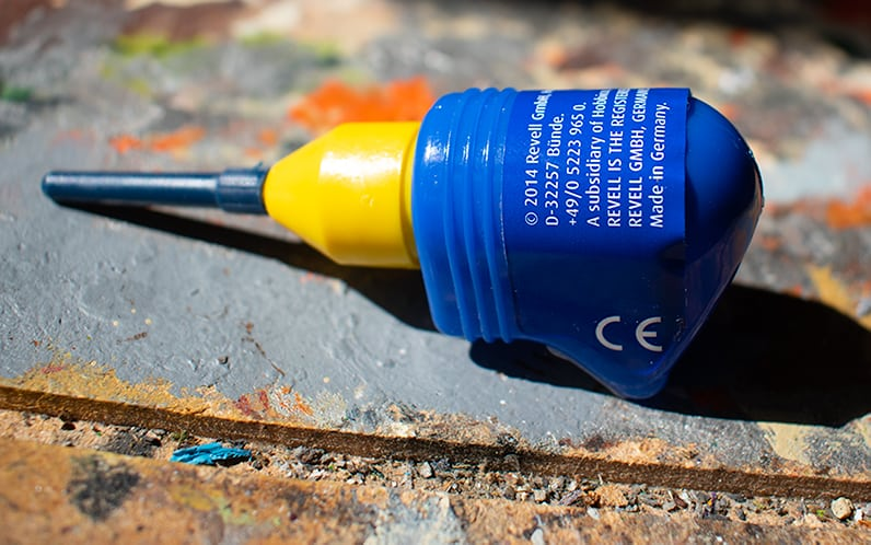 An image of the small version of the excelent revell plastic glue. Use it for all Age of Sigmar miniatures and be happ!