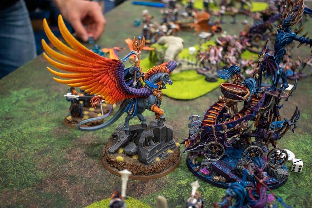 An image of the game Warhammer: Age of Sigmar being played