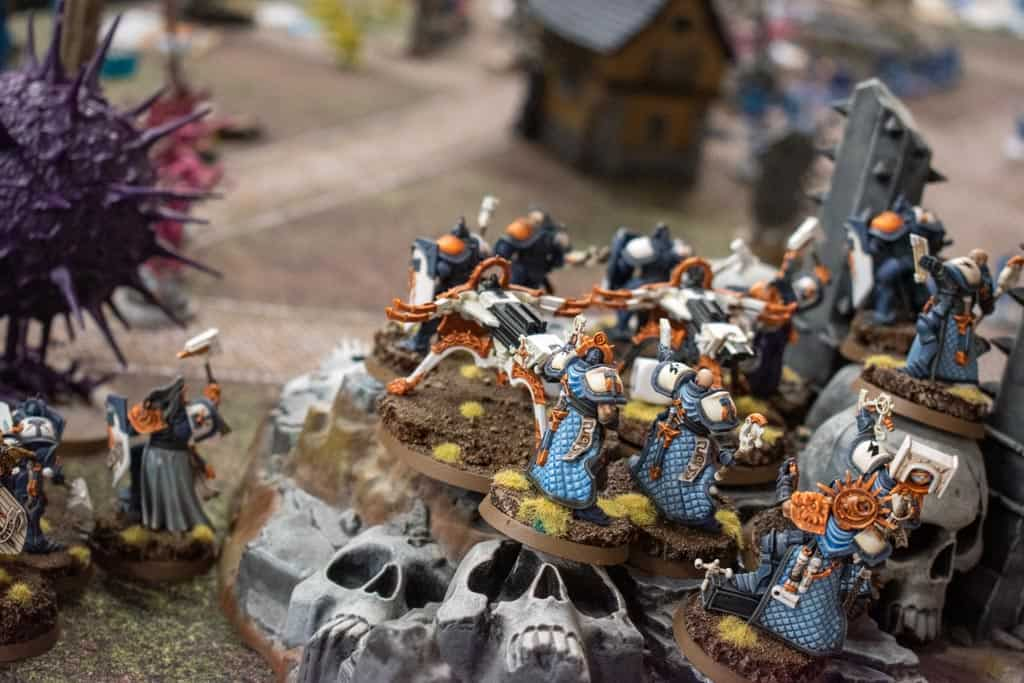 Some Stormcast Eternals on the battlefield in Age of Sigmar. Used to explain what Age of Sigmar is