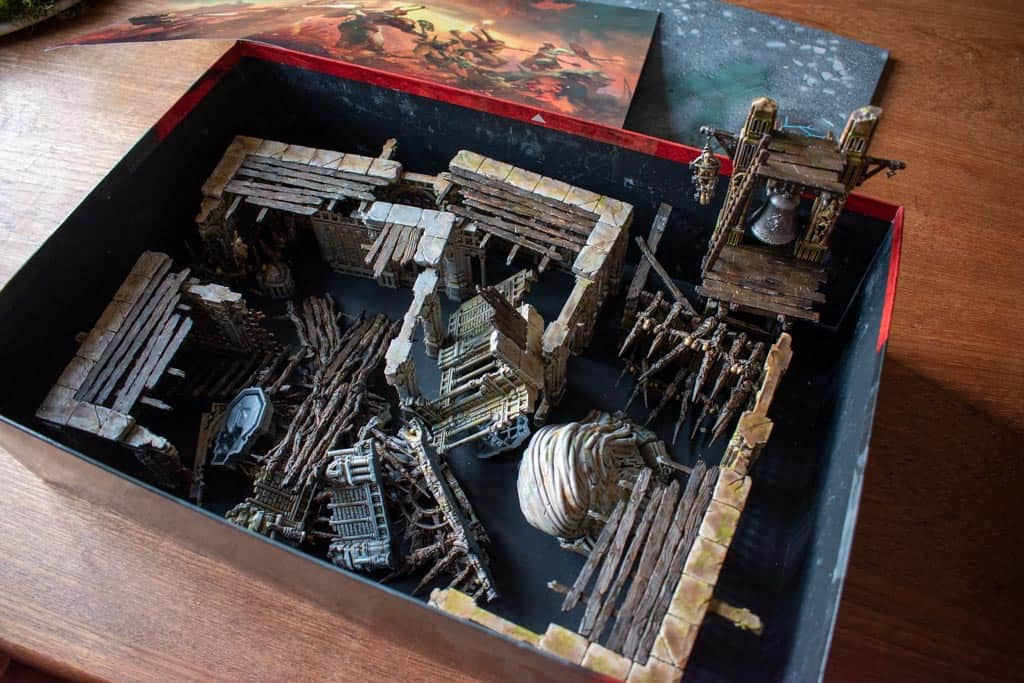 Terrain for warcry packed donw in the box of the starter set