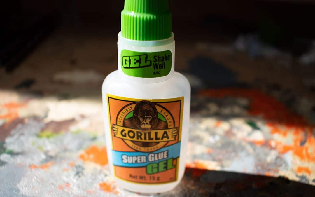Best Glue for Miniatures and Warhammer (Plastic and Metal)