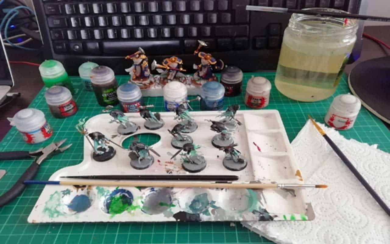 A lot of hobby tools and why you should learn how to build a painting station
